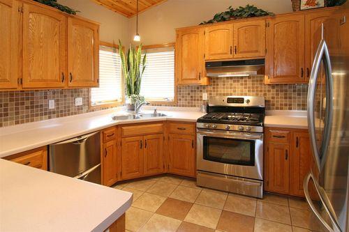 13263 Maryland kitchen