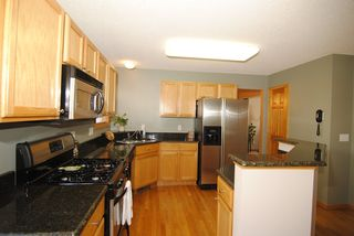 13954 Aquila kitchen1