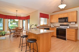 14729_bridle_ridge_trl_ne_MLS_HID673412_ROOMkitchen1