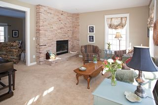 15_old_deerfield_road_MLS_HID759927_ROOMlivingroom1