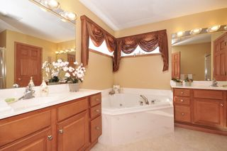 9237_136th_street_MLS_HID759923_ROOMmasterbathroom