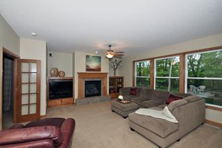 8840_woodhill_circle_MLS_HID759933_ROOMfamilyroom1
