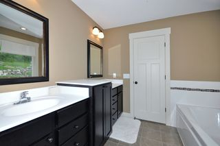 8501_132nd_st_w_MLS_HID759940_ROOMmasterbathroom