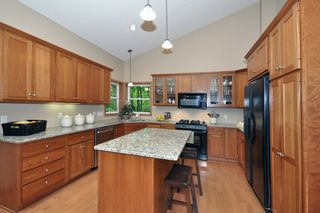 8840_woodhill_circle_MLS_HID759933_ROOMkitchen1
