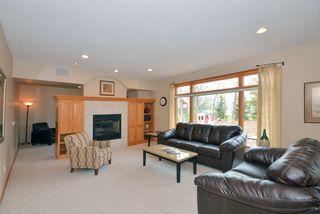 9136_woodhill_drive_MLS_HID840398_ROOMlivingroom