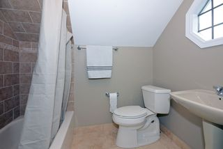 440_4th_avenue_e_MLS_HID840386_ROOMupperbathroom