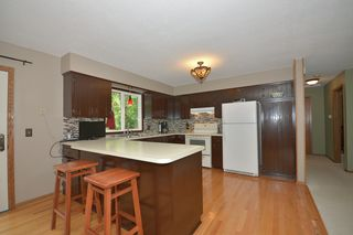 3050_creekview_circle_MLS_HID893395_ROOMkitchen1