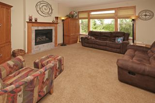 5040_woodland_court_MLS_HID913788_ROOMlivingroom