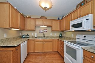 17293_marshfield_lane_MLS_HID817713_ROOMkitchen2