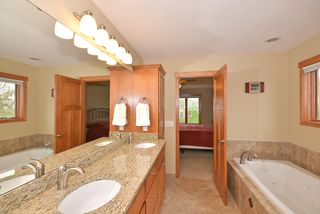 9031_whispering_oaks_trail_MLS_HID840402_ROOMmasterbathroom