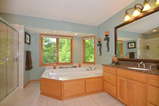 9001_woodhill_drive_MLS_HID893388_ROOMmasterbathroom