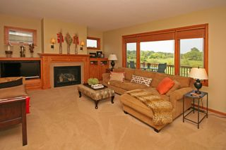 2604_lakeview_drive_MLS_HID913789_ROOMlivingroom