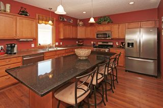 5040_woodland_court_MLS_HID913788_ROOMkitchen1