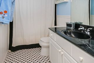 8236_carriage_hill_road_MLS_HID933008_ROOMbathroom