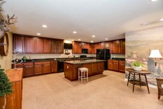 045_Kitchen Area LL