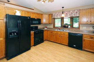 13055_glenhurst_circle_MLS_HID913797_ROOMkitchen