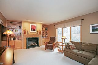 8339_carriage_hill_alcove_MLS_HID983939_ROOMfamilyroom
