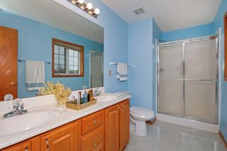 2112_groveland_way_MLS_HID990740_ROOMmasterbathroom