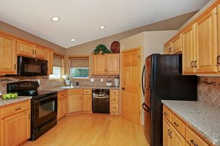 12637_ensign_avenue_MLS_HID1072202_ROOMkitchen