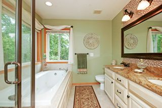 7337_amberwood_lane_MLS_HID1035935_ROOMmasterbathroom