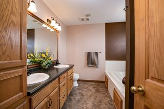 023_Master Bdrm Bathroom