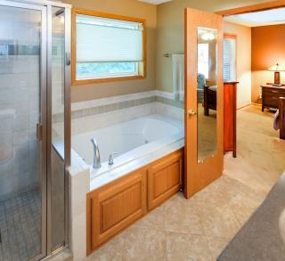 027_Master Bathroom
