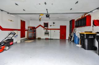 023_Garage Interior