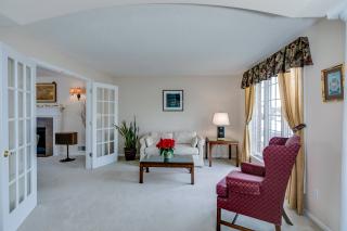 008_Formal Living Room