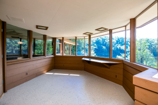 013_Enclosed Porch