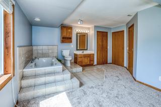015_Bathroom LL II