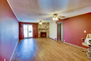 027_Living Room