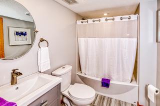 022_Bathroom LL