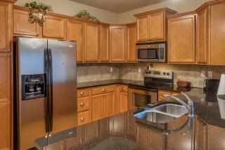 012_Kitchen III